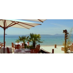 L'Hélios Beach Restaurant in Juan-Les-Pins