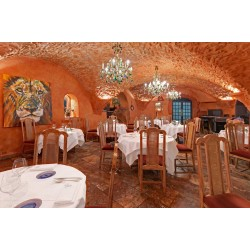 Les Vieux Murs Restaurant in Antibes