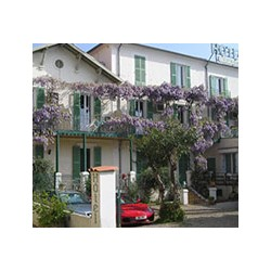 Hotel L'ilot Fleuri in Le Lavandou
