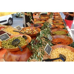 Provencal Market in Le Lavandou-Marché provençal au Lavandou